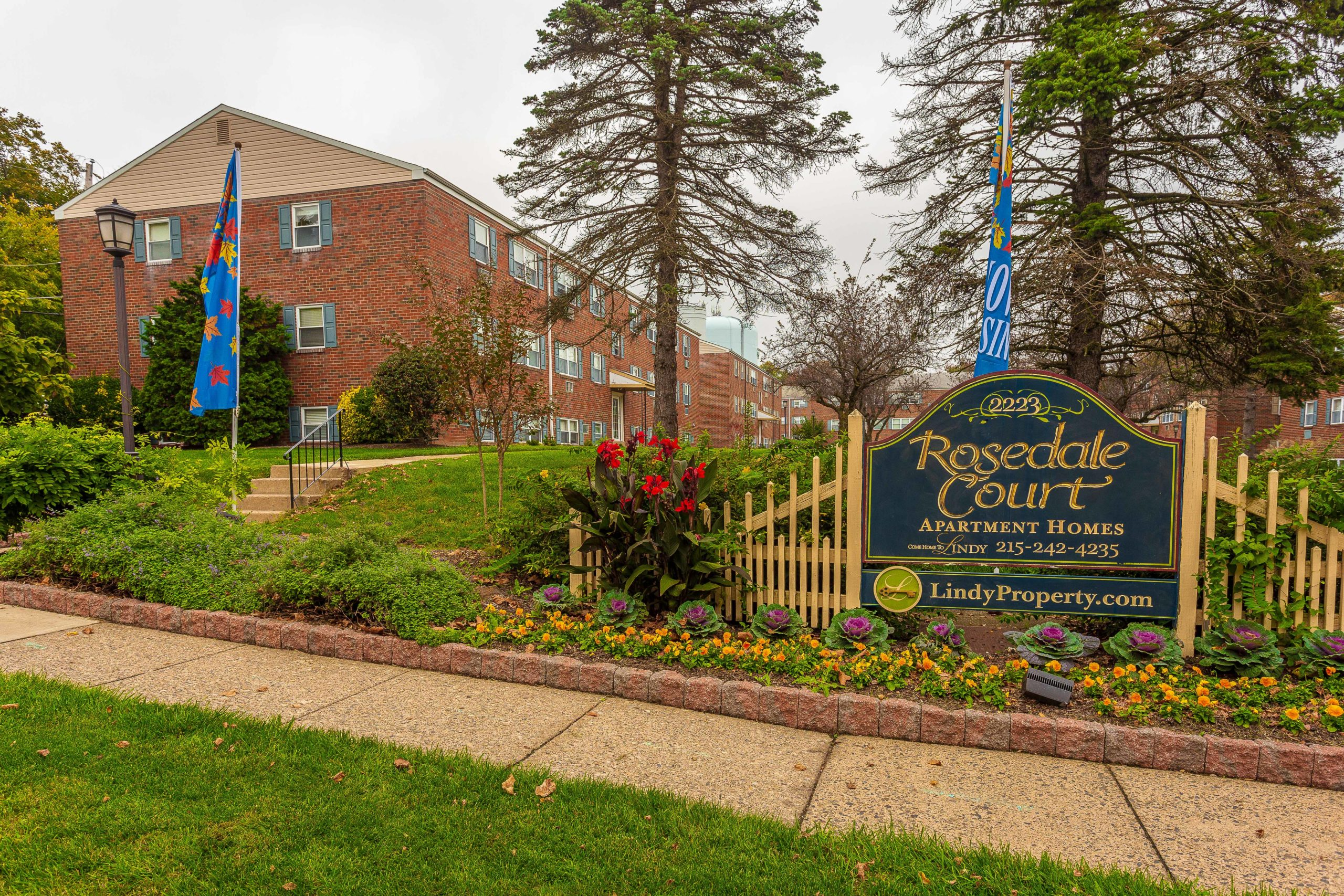 Entrance sign to Rosedale Court apartments for rent in Abington, PA