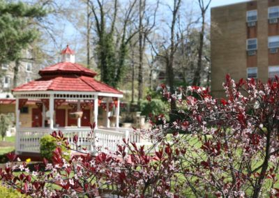 Gazebo and walkway to residential buildings at Bromley House apartments for rent