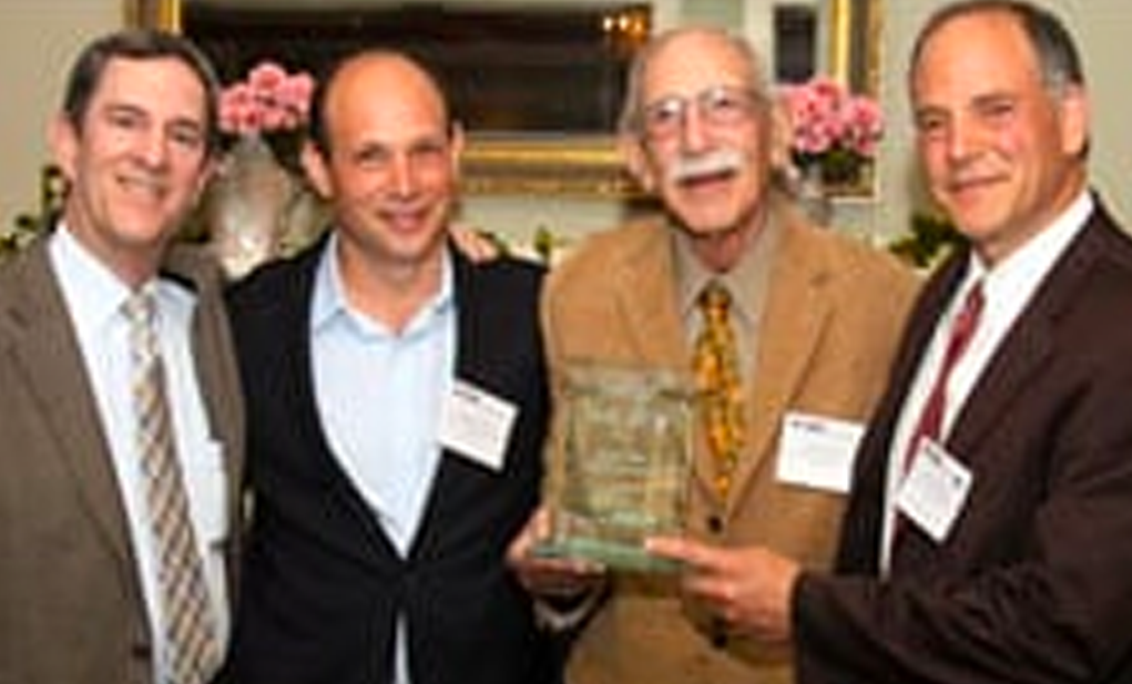 Lindy Receives Award