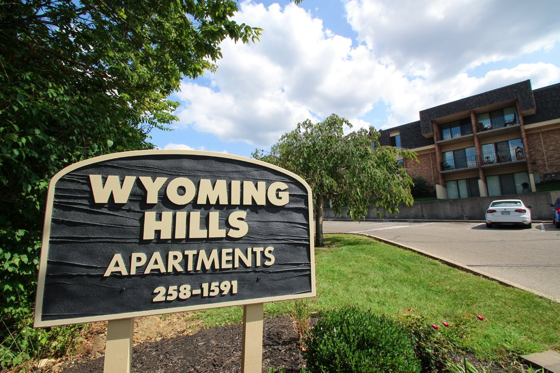 Entrance sign to Wyoming Hills apartments for rent in Dayton, OH