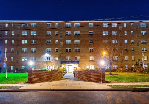 Exterior view of Crossings at Stanbridge apartments for rent in Lansdale, PA