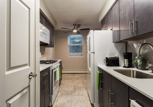 Kitchen with Energy Star-rated appliances at Warrington Crossings apartments for rent in Warrington, PA