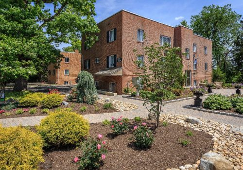 Stunning landscaping and outdoor paving at Overlook apartments for rent in Abington, PA